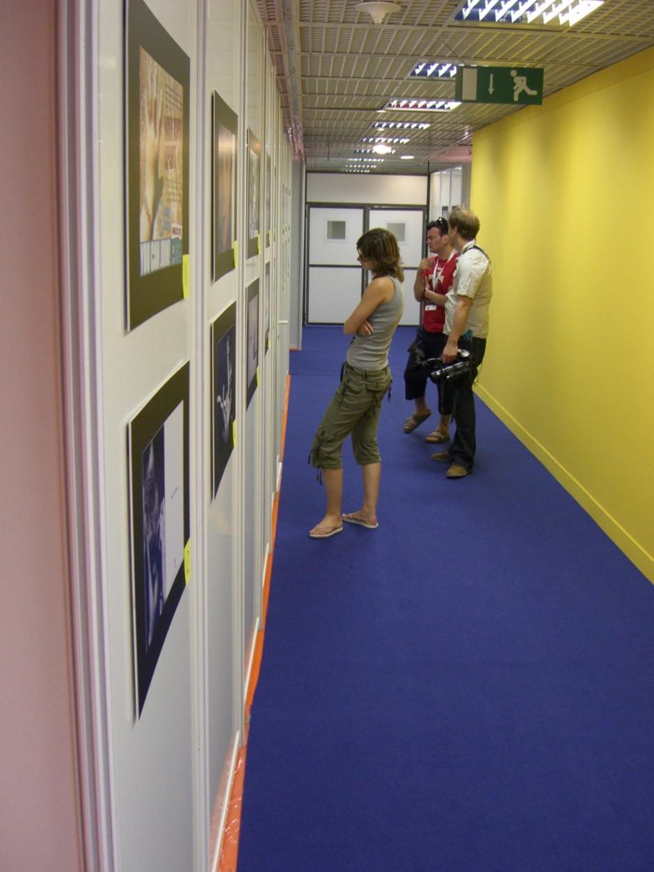 Bei den Young Creative Competitions wurden die Arbeiten in der Kategorie Print für die Jury an einer Wand aufgehängt und nummeriert.