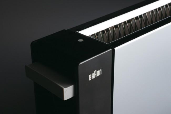 L+M-12: Braun Automatik Toaster »HT 2« von 1963, Detail, Design: Reinhold Weiss, Foto: Koichi Okuwaki