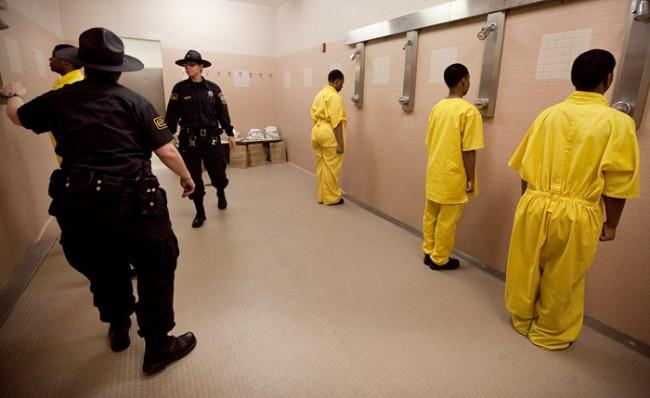 Julia Marie Rendlman von der Southern Illinois University dokumentiert Frauen, die ein Erziehungslager in einem Gefängnis durchlaufen.