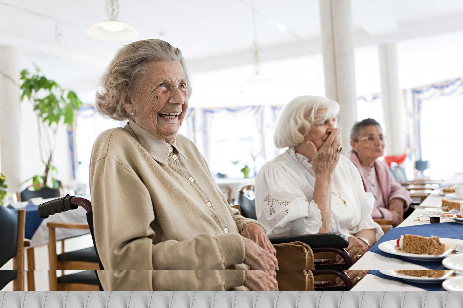 Kaffeekränzchen von Dominik Obertreis für Dana Seniorenresidenz