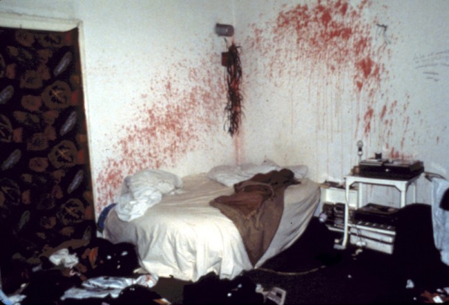 Nan Goldin, Bloody bedroom in a squatted house Berlin, 1984, © Nan Goldin / Courtesy Matthew Marks Gallery, New York