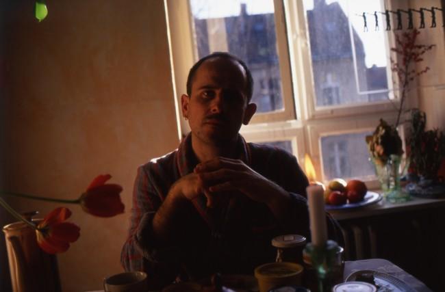 Nan Goldin, Piotr at breakfast, Berlin 1995, © Nan Goldin / Courtesy Matthew Marks Gallery, New York