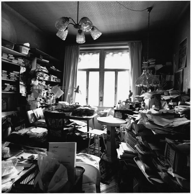 Arbeitszimmer, Friederike Mayröcker, Wien 1992, © Herlinde Koelbel