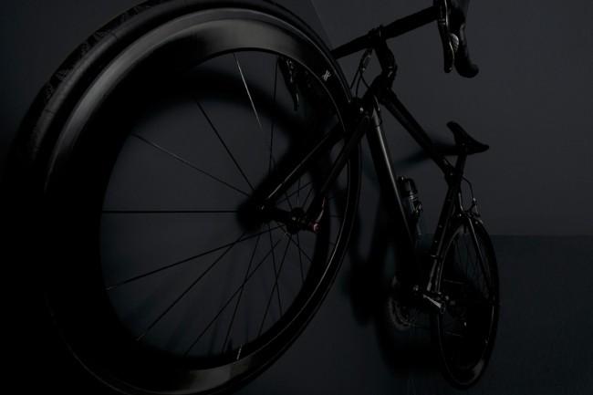 Fahrrad »All Black Bike« von Hublot | Fotografie: Hubertus Hamm