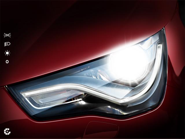 Beim Audi A1-Katalog können die unterschiedlichen Scheinwerfer-Einstellungen ausgetestet werden.