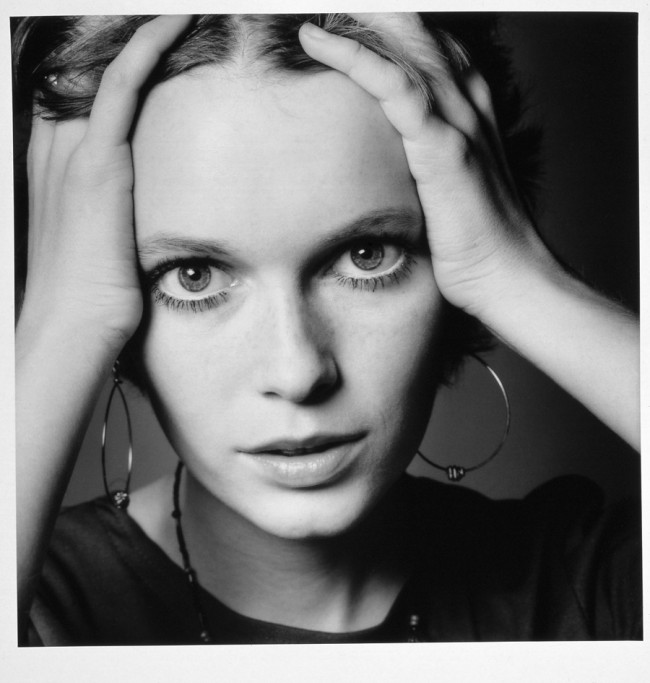Jeanloup Sieff, Mia Farrow, 1968, Gelatin Silver Print, printed later, Verso stamped and signed by the Estate, 40,5 x 30 cm