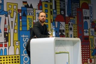 Speaker Alex Schill, Serviceplan
