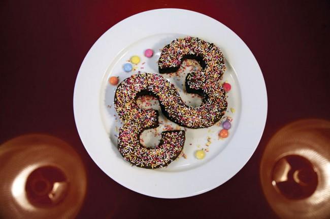 FL@33 Logokuchen – das Studio wird 2011 sein 10-jähriges Jubiläum feiern