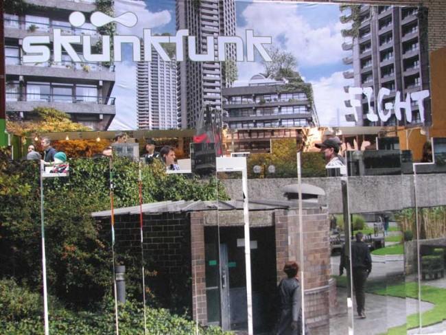Tolles Kulissenspiel: skunkfunk baute eine verschachtelte Skyline auf