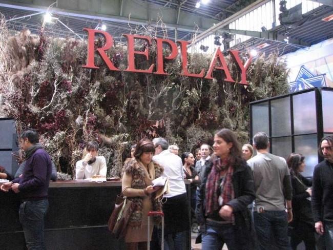 Natur pur: Replay setzt auf Trockenblumen und Hyazinthenduft