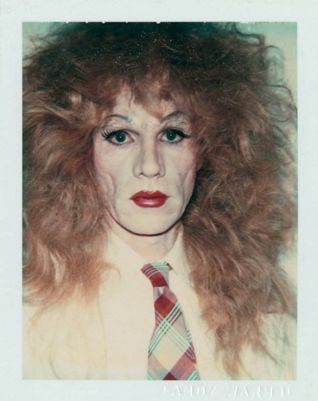 Andy Warhol | Self-Portrait in Drag (Long Reddish-Brown Wig and Plaid Tie), 1981/82. Foto: Christoph Irrgang, Hamburg © 2011 The Andy Warhol Foundation for the Visual Arts, Inc. / Artists Rights Society (ARS), New York Hamburger Kunsthalle