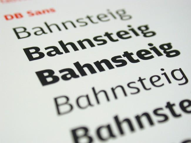Deutsche Bahn: DBType, 2006 © Erik Spiekermann   Das integrierte Schriftsystem mit Grotesk- und Antiquaschnitten schafft bei der Deutschen Bahn Konsistenz über alle Medien hinweg, von den Fahrplänen bis zur Werbung.