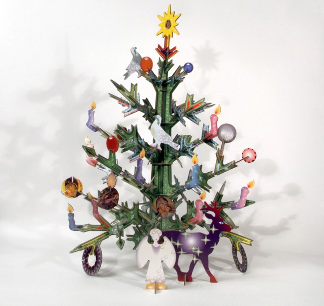 Kidsonroof: Weihnachtsbaum aus Recyclingpappe