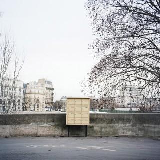 Aus der »Paris«-Serie »Letterbox«   © Julia Smirnova