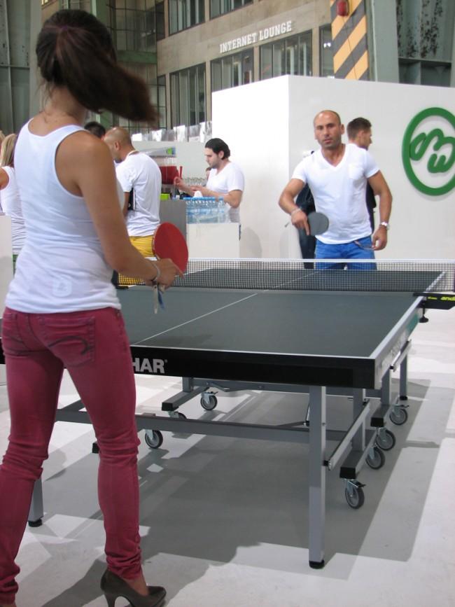 Bei One Green Elephant wird Ping Pong gespielt