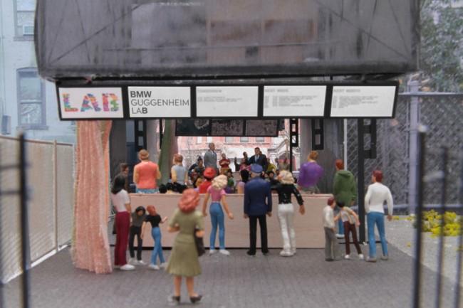 Architekturmodell mit Beispiel Diskussionsrunde und Blick von der Houston Street