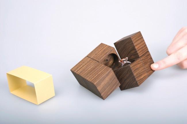 Schmuckverpackung Klotz: Holzverpackung mit Überraschungseffekt