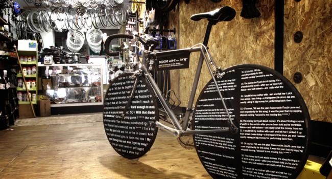 Ein Fahrrad in Jay-Z's alter Nachbarschadt in Brooklyn