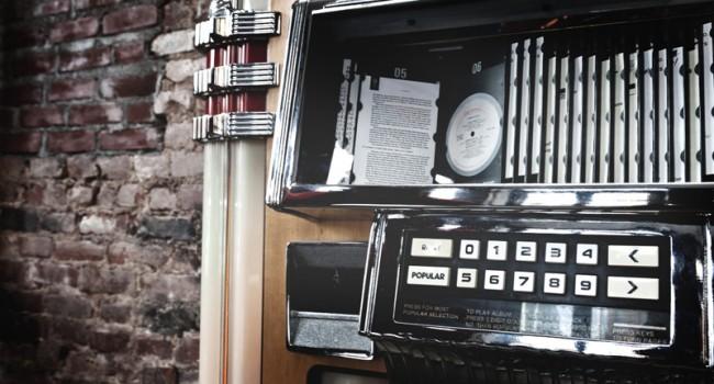 Jukeboxen in ganz New York City waren mit »Decoded«-Seiten bestückt