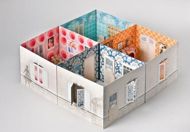 Tamaras Haus. Berlin (Verlag Jacoby & Stuart) 2011, Schuber mit Büchlein und Puppenhaus. 35 Euro. ISBN 978-3-941787-41-4