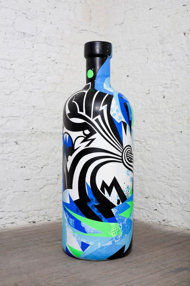 Steve Alexander, ebenfalls Mitglied von Rinzen, gestaltete die Absolut Flasche grafisch