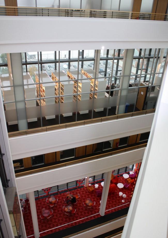Spiegel Archiv und Snackbar