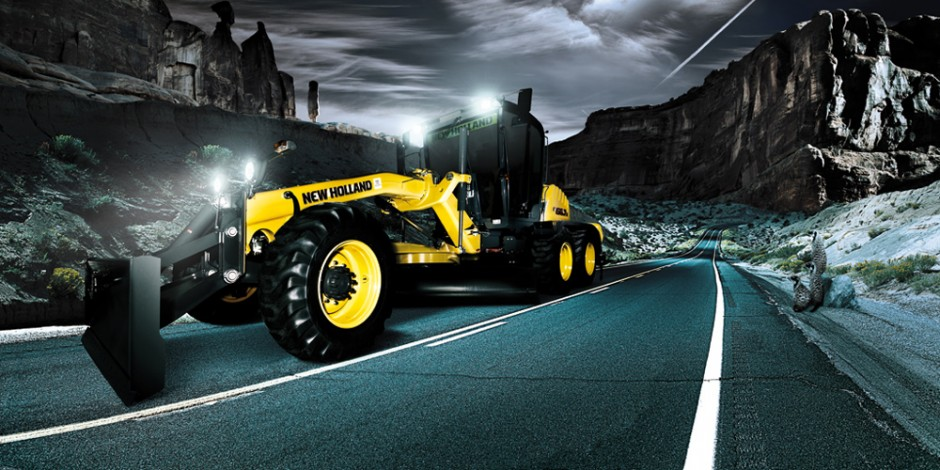 bauforum24.biz: »Heavy Equipment 2012«, New-Holland-F156