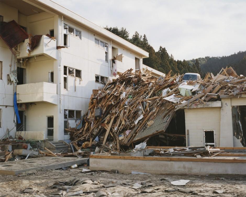 Rikuzentakata, Kesen Junior high school 2011.04.03