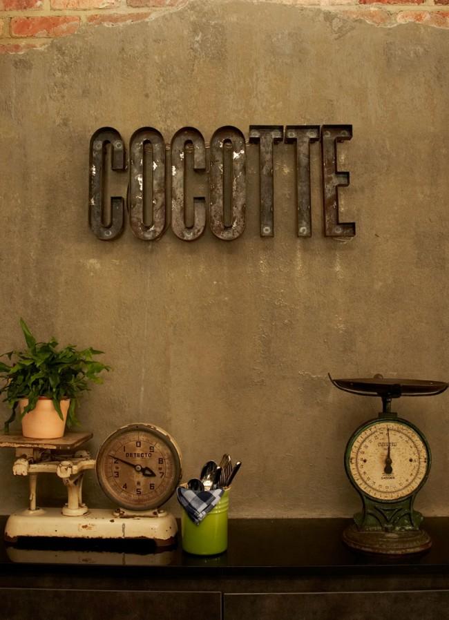 Cocotte Signage