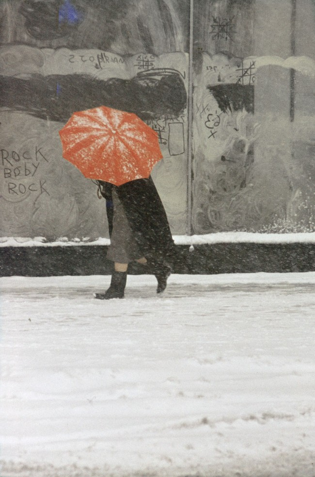Saul Leiter: Red Umbrella, ca. 1958