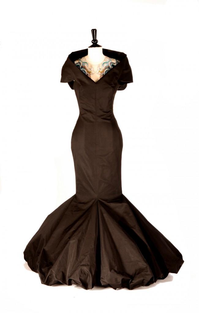 Schwarzes Abendkleid mit Ballonrock
