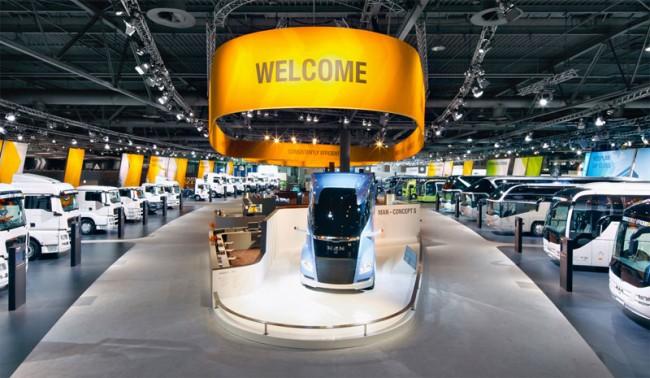 Corporate Architecture - Exhibition: MAN auf der IAA; KMS Team, München