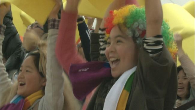 Werbefilm zur Eröffnung einer neuen Shinkansen-Strecke mit dem Titel »Die 240 km Welle«, der zum unfreiwilligen Menetekel wurde: einen Tag vor der offiziellen Eröffnung des Bahnabschnitts ereignete sich die Erdbebenkatastrophe.