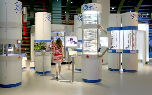 Interaktive Exponate zum Thema Medizin und Gesundheit im Kölner Science Center Odysseum.