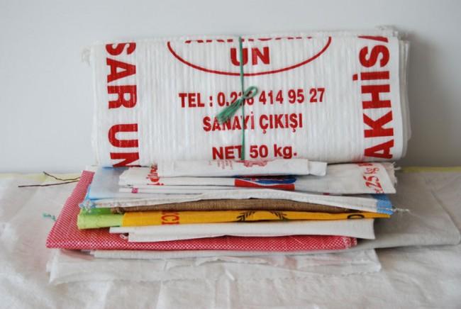 Lebensmittel-Säcke, Kunststoff gesponnen, 1TL (Türkische Lira), Foto: Anna Pannekoek