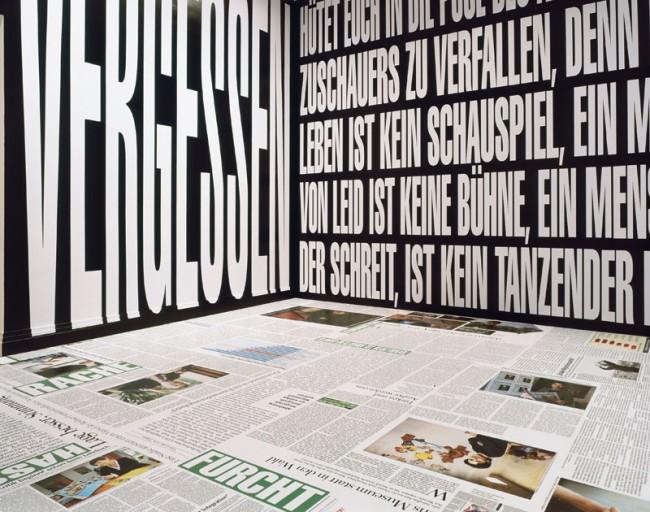 Installation View | Barbara Kruger: Untitled ARTandPRESS, 2012, Courtesy Galerie Sprüth Magers Berlin London, Foto: Stefan Korte