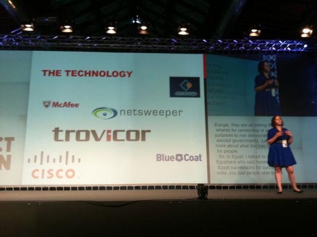Jillian C. York zeigt Firmen, die mit ihrer Software die Kontrolle im Netz unterstützen