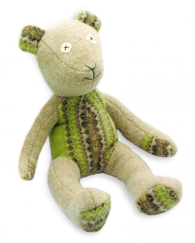 cate & levi aus Toronto produziert aus ausrangierten Pullovern Stofftiere, die es kein zweites Mal gibt.