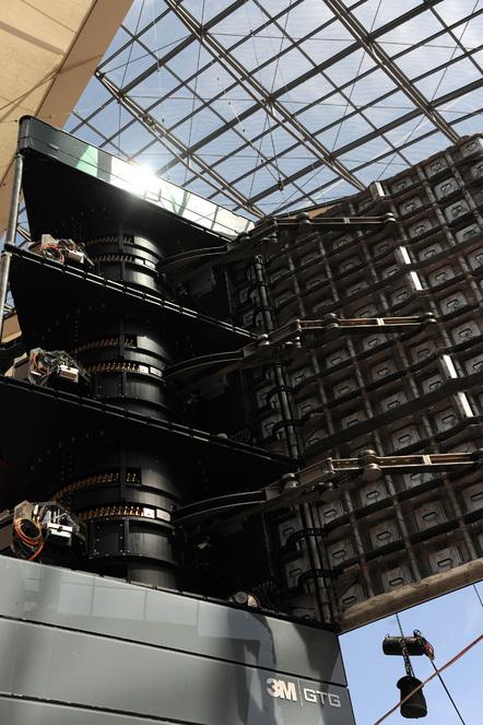 Gelenke und Motoren des Meta-Twist-Tower