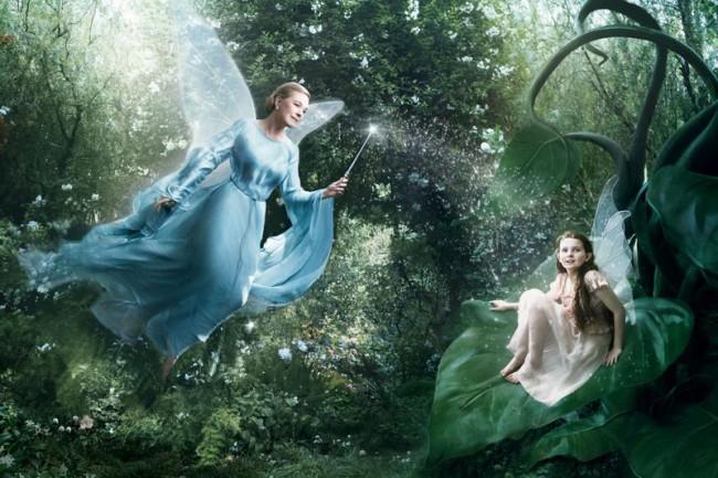 Julie Andrews als gute Fee und Abigail Breslin als Disney-Fee