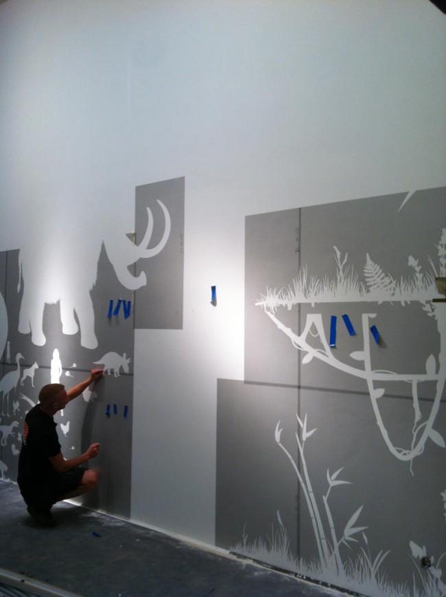 Arbeit an Wandgrafiken