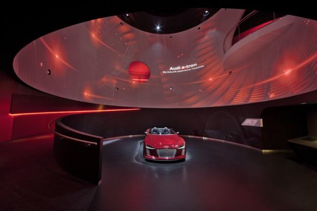 Adam Gold Markenwelten: AUDI Markenpavillon in der Autostadt Wolfsburg von Schmidhuber und KMS Blackspace