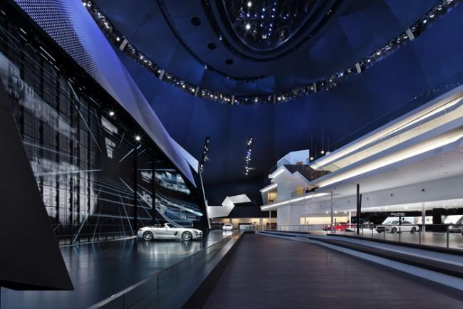 Adam Gold Messeauftritte über 1.500 m2: Mercedes-Benz auf der IAA 2011 in der Festhalle Frankfurt von Kauffmann Theilig & Partner und Atelier Markgraph