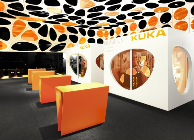 Adam Gold Messeauftritte bis 1.500 m2: Kuka Robotik-Pavillon 2012 von zeroseven design studios und Soularchitects