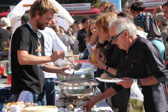 Eva Gold Charity/Social/Cultural Events: Filmpremiere Taste the Waste von Freiheitblau