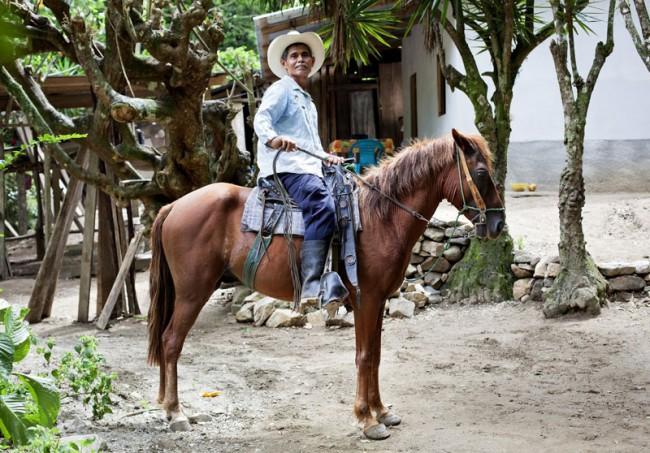 Erstellung der Kommunikation im Bereich Nachhaltigkeit für den Schweizer Grossverteiler Coop. Auf diesem Bild ein Kakaobauer aus Honduras.