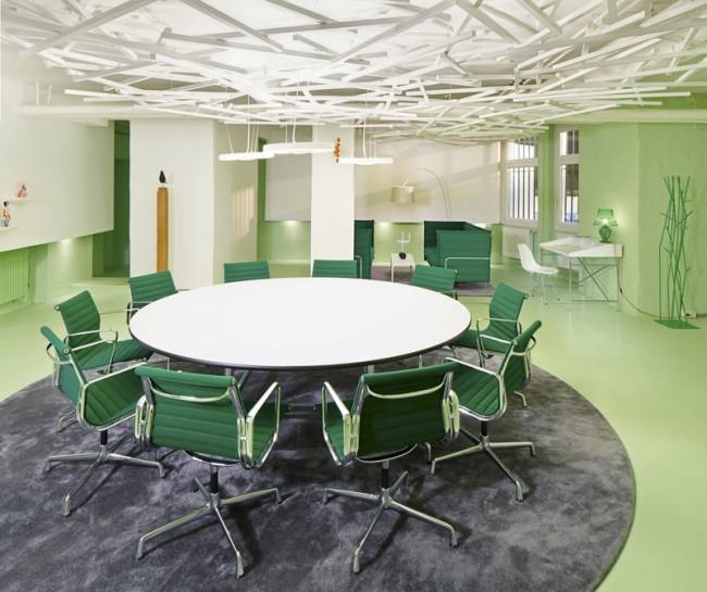 Green Room mit Lounge im Hintergrund, Foto: Eduardo Perez