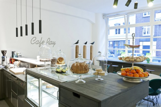 Café Ray, Foto: punct object