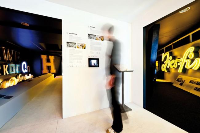 Neue Blicke - Tolle Stücke  www.buchstabenmuseum.de  Foto: Andre Stoeriko