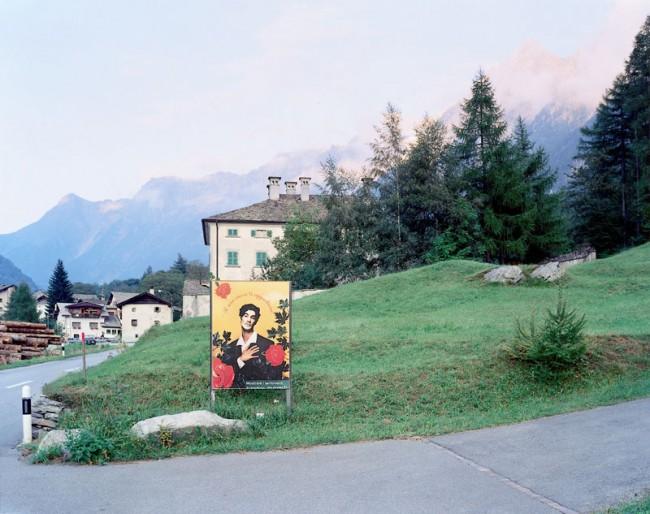 Max Regenberg, Rosenkavalier # 1994, L.B. System Stampa, C-Print © Max Regenberg/VG Bild-Kunst, Bonn 2013; Courtesy Galerie Thomas Zander, Köln